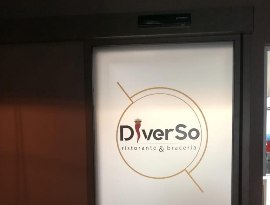 Nuova porta automatica per il Ristorante Diverso Bracery: Immagine Elenchi