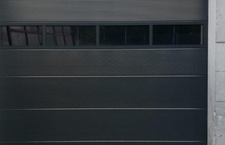 Nuova porta sezionale industriale a Mazzo di Valtellina (SO): Immagine Elenchi