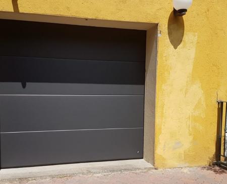 Nuova porta sezionale residenziale: Immagine Elenchi