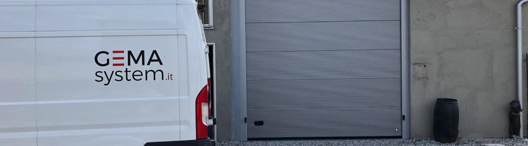 Fornitura e posa di nuova porta sezionale a Cosio Valtellino: Immagine Header