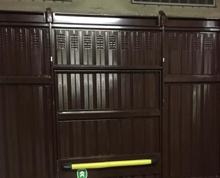 Fornitura e posa di nuova porta basculante in Sondrio: Immagine Elenchi