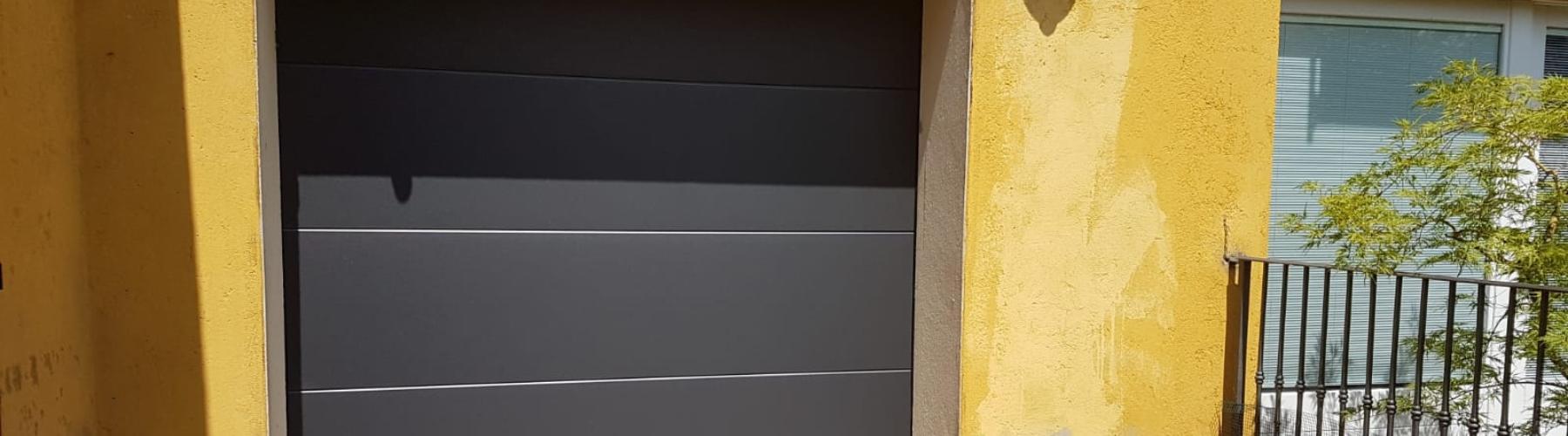 Nuova porta sezionale residenziale: Immagine Header